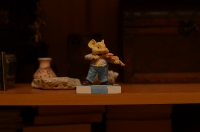 Глиняная скульптура - мышка играет на скрипке