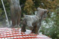 Фигурка с писяющими щенками на Пейзажке в Киеве