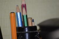 Канцелярский набор карандашей и ручек