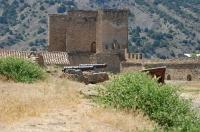 Генуэзская крепость. Главные ворота, вход, и пушки